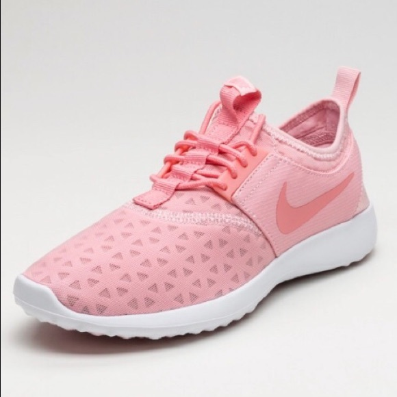 NWT Nike Juvenate in Bright Melon (Pink)
